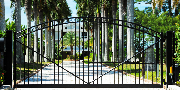 Welded aluminum gate on south florida estate